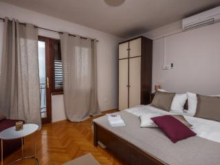 Villa Sonata (A1) room 1 - Omis vacation rentals