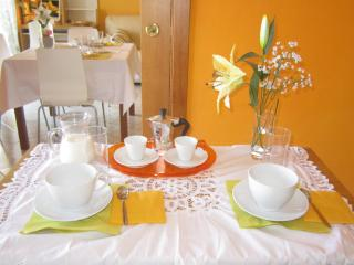 LA BOMBONIERA WITH PARKING & WIFI - Bari vacation rentals