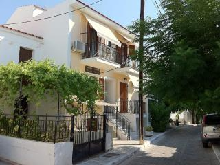 Bright 7 bedroom Bed and Breakfast in Pythagorion with A/C - Pythagorion vacation rentals