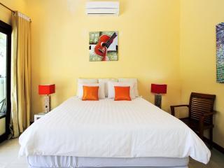 Promo 40$/ night BB at studio 27 rustic room style - Denpasar vacation rentals