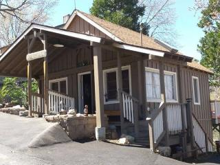 Vintage Charmer for two - Lake Arrowhead vacation rentals