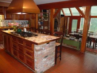 Lovely House with Deck and Internet Access - Waitsfield vacation rentals