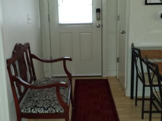 2 bedroom Apartment with Internet Access in Portland - Portland vacation rentals
