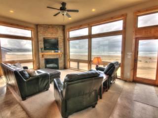 Oceanfront Luxury Home - Sandy Beach! FREE NIGHT! - Waldport vacation rentals