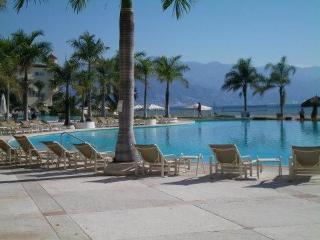 Welcome to Bay View Grand Aurora Sunset - Puerto Vallarta vacation rentals