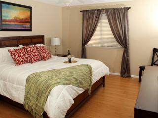Vacation Home Great Location in Tranquil Area, Nea - Phoenix vacation rentals