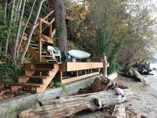 WARM BEACH WATERFRONT on PUGET SOUND - Camano Island vacation rentals