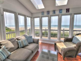 Ocean Front on a Sandy Beach & Hot Tub FREE NIGHT - Waldport vacation rentals