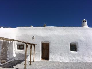 Perfect Cave house with Internet Access and Outdoor Dining Area - Baza vacation rentals