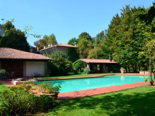 2 bedroom Bed and Breakfast with Internet Access in Roncoferraro - Roncoferraro vacation rentals