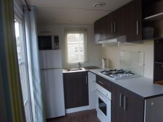 2 bedroom Caravan/mobile home with Internet Access in Saint-Jean-de-Monts - Saint-Jean-de-Monts vacation rentals