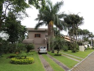 Gorgeus reformed home on the beach - Caraguatatuba vacation rentals