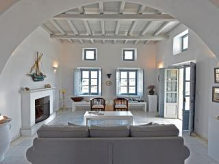 Villa Asteras in Paros, 3 bdrm/3 bath stone built - Naoussa vacation rentals
