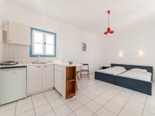 Fivos Apartments (Studio) - Aliki vacation rentals