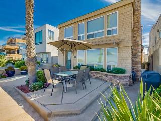 Luxurious Ocean front stand alone home with ocean views throughout. - Pacific Beach vacation rentals