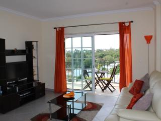 Bright Condo with Internet Access and Dishwasher - Carvoeiro vacation rentals