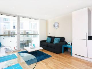 10 Mins to Central London Modern Apartment - Bexleyheath vacation rentals
