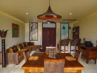 8 bedroom Villa with Internet Access in Gili Trawangan - Gili Trawangan vacation rentals