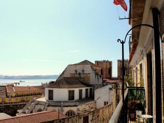 Brya Green Apartment, Alfama, Lisbon - Almada vacation rentals