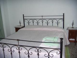 Cozy 2 bedroom Bed and Breakfast in Piazza Armerina with Television - Piazza Armerina vacation rentals