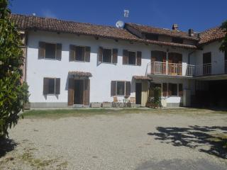 Langhe Country House Alba Neive - Neive vacation rentals