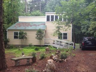 Hypoallergenic & beautiful quiet house in woods - North Carolina Piedmont vacation rentals