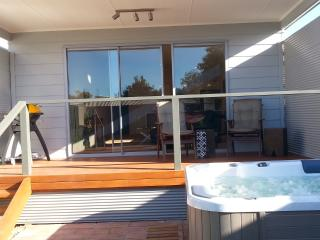 Lovely 1 bedroom Normanville Villa with Deck - Normanville vacation rentals