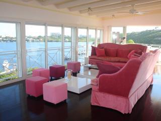 Villa 4 bedrooms with Pool - Terres Basses vacation rentals