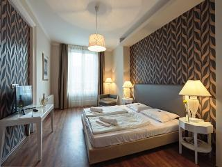 House Octogon - Budapest vacation rentals