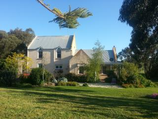 Barrabool Hills Retreat B&B Guest House & Gallery - Highton vacation rentals