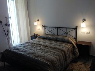 Giulietta nei Sassi beb camera family - Matera vacation rentals