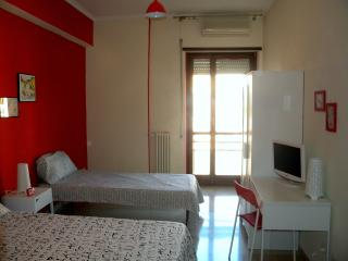 room ROY BnB HighGarden Vaticano - Rome vacation rentals