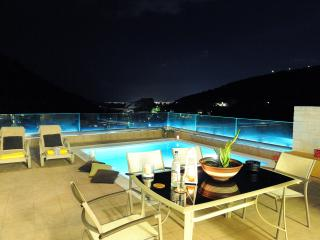 Elegant Palaiokastro Villa with Private Swimming Pool - Heraklion vacation rentals