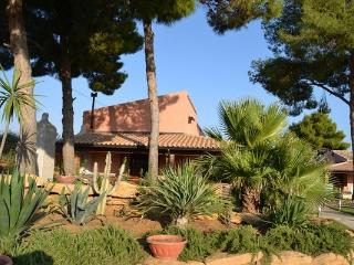Casale Abate Menfi, pool, wifi, 4/3 people - Nana - Menfi vacation rentals