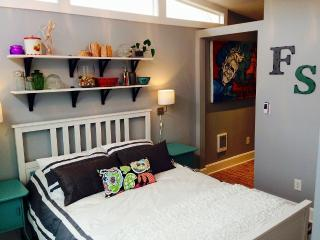 Historic & Hip Fountain Square - Indianapolis vacation rentals