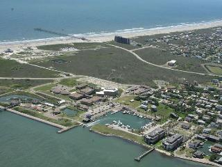 2 bedroom 2 bath condo in the heart of Port Aransas! Ship Channel view! - Port Aransas vacation rentals