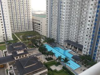 Nice Condo with Internet Access and A/C - Quezon City vacation rentals