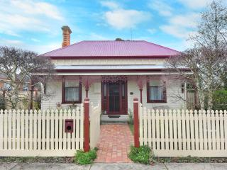 A beautiful 4 bedroom Victorian home 1890's era. - Ballarat vacation rentals