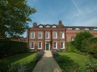 Groom's House, Cumberland Lodge, Windsor Gt Park - Windsor vacation rentals