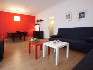 RED GLOW - Barcelona vacation rentals