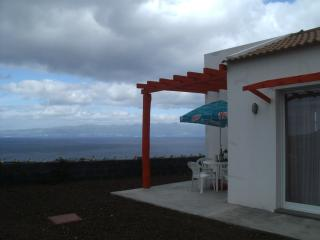 2 bedroom House with Satellite Or Cable TV in Pico - Pico vacation rentals