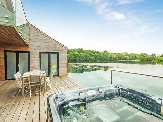 Waters Edge 09, Longtail - South Cerney vacation rentals