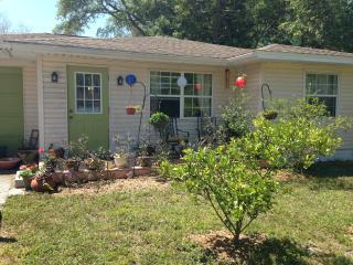 Charming 'Old Florida' one bed apartment, Sarasota - Lakewood Ranch vacation rentals