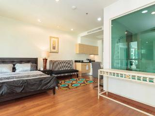 New1BR with Pool @Sathorn New Area - Bangkok vacation rentals