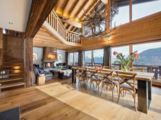 Charming 5 bedroom Chalet in La Tzoumaz with Deck - La Tzoumaz vacation rentals