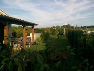 La Casina con giardino e piscina privata - Santa Maria a Monte vacation rentals