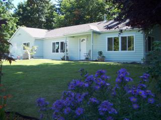 Port Orchard Home - Port Orchard vacation rentals