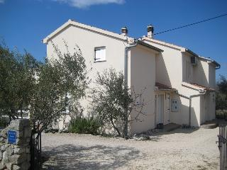 2 bedroom House with Internet Access in Krk - Krk vacation rentals