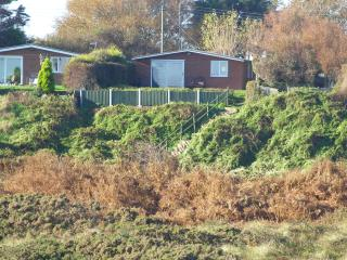 Wonderful 3 bedroom Bungalow in Winterton-on-Sea with Internet Access - Winterton-on-Sea vacation rentals