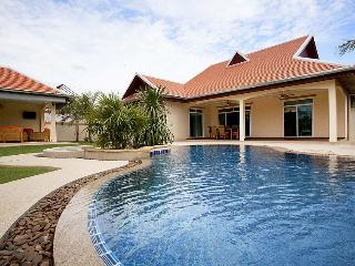 4 bedroom Villa with Internet Access in Nong Pla Lai - Nong Pla Lai vacation rentals